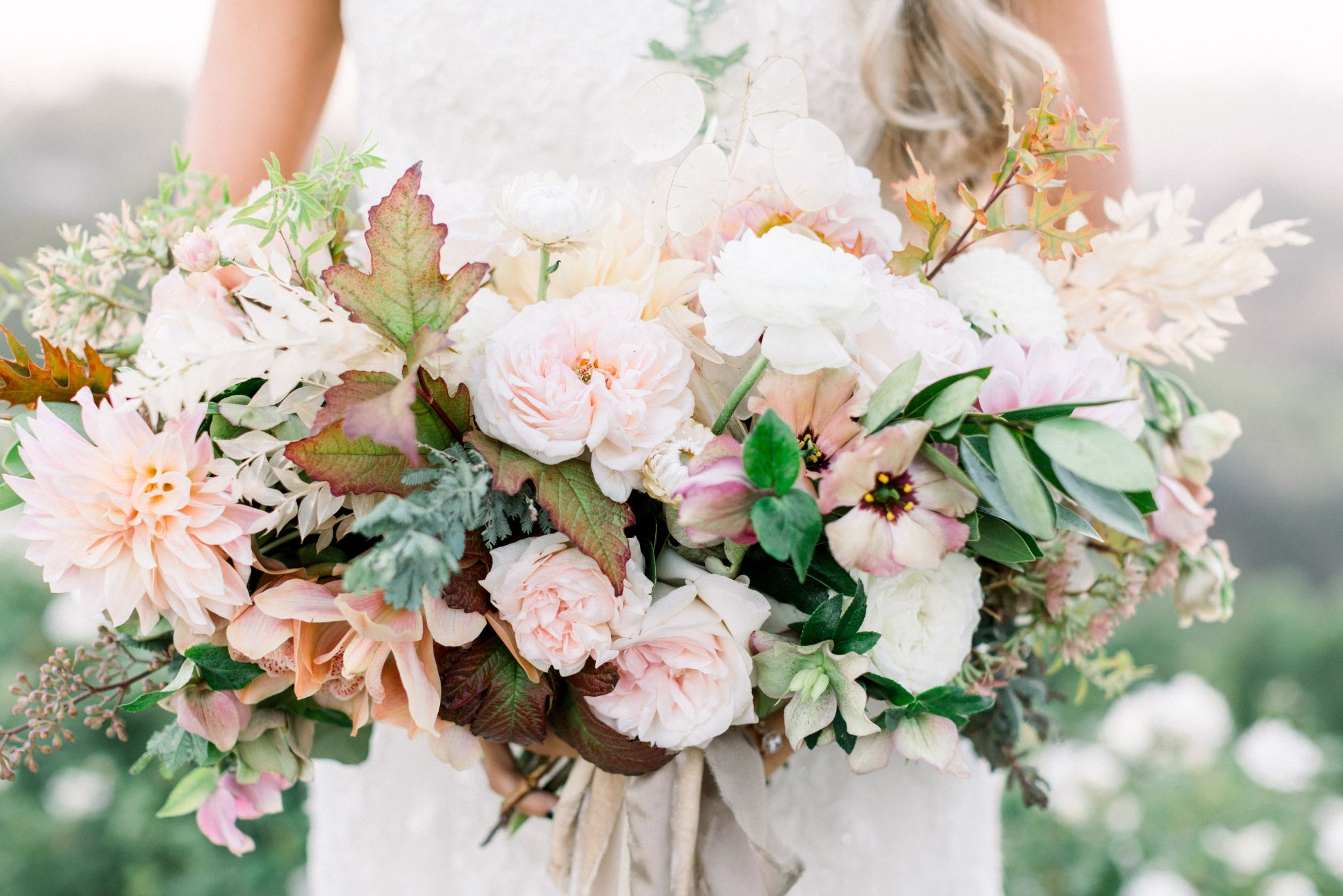 How to Choose Wedding Flowers for the Right Season?