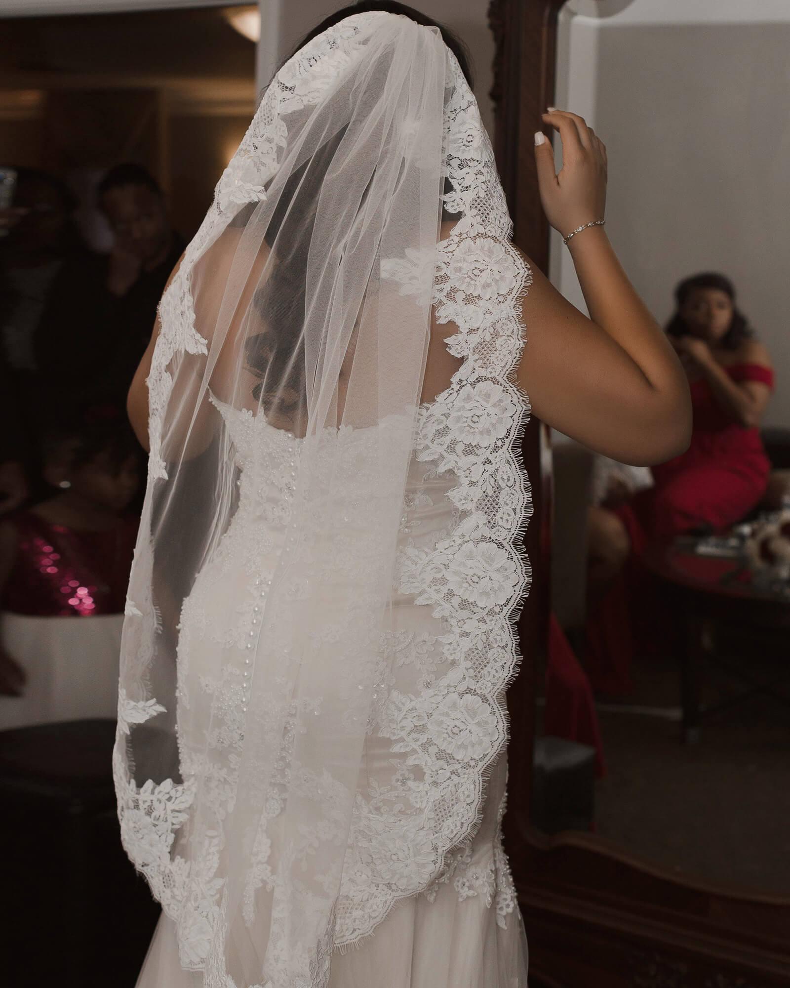 Customized Matching Veil! How Stunning!