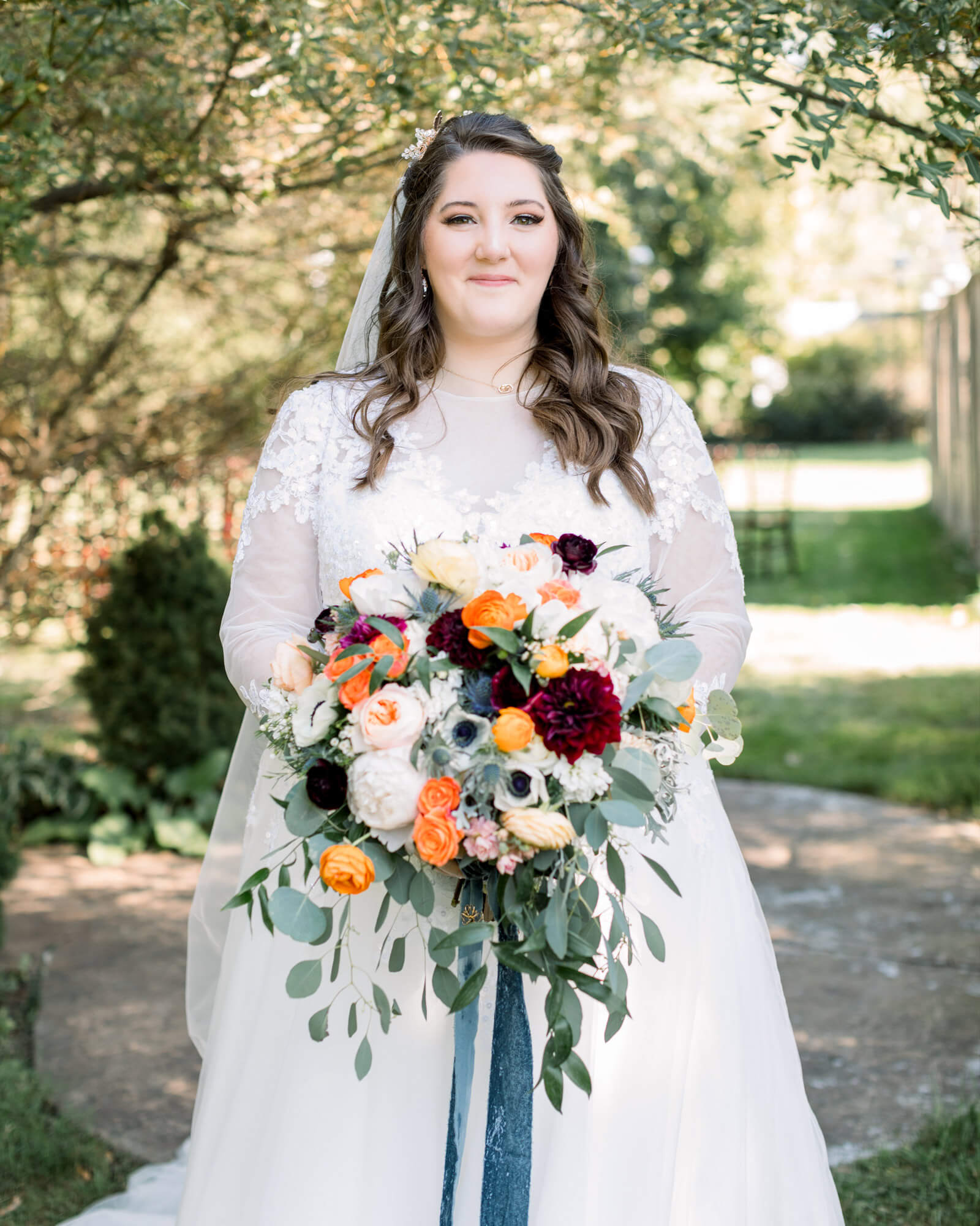 Abbey looked absolutely gorgeous in her customized cocomelody wedding dress