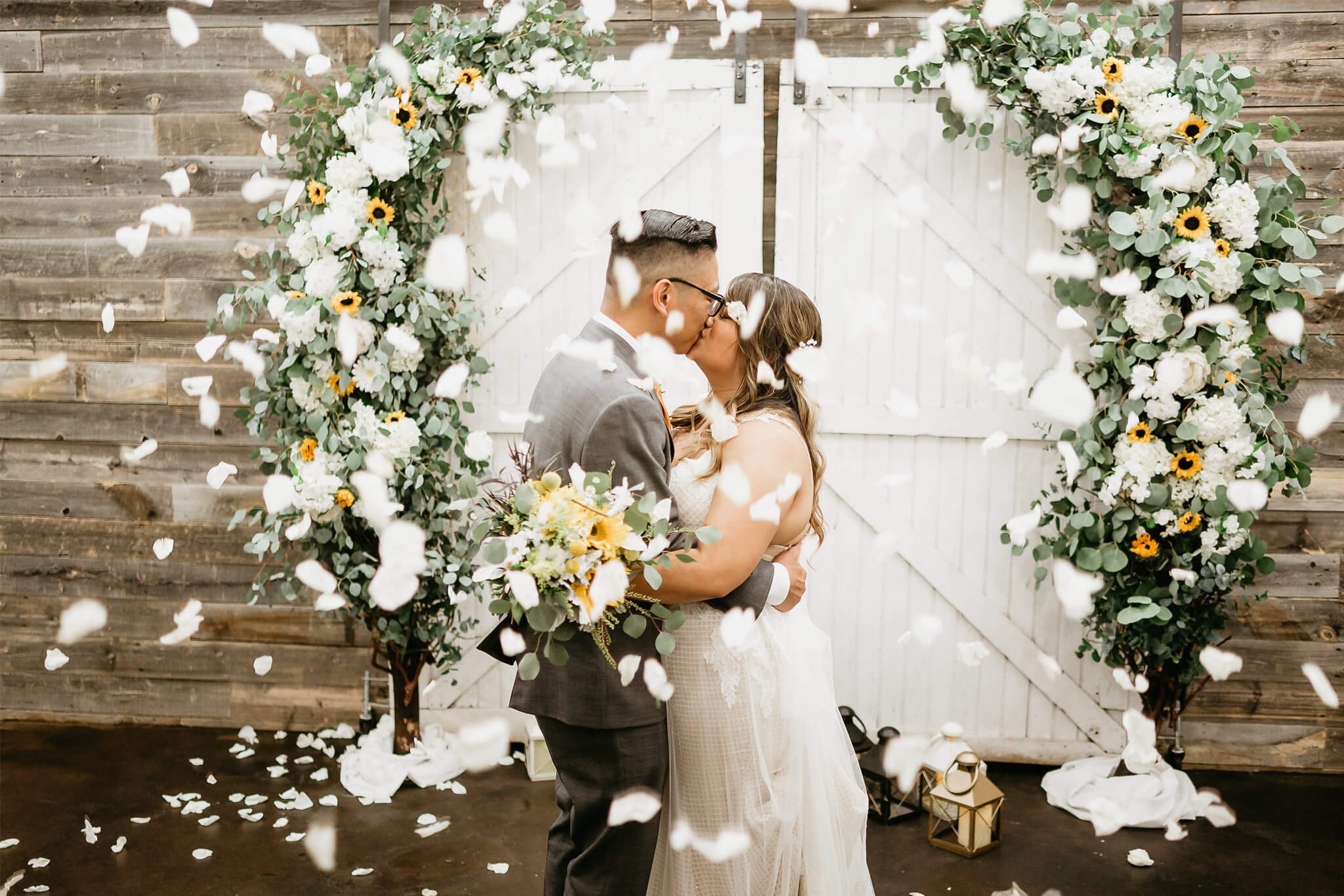 Nothing sweeter than a newlywed kiss! Congrats to this cute couple!