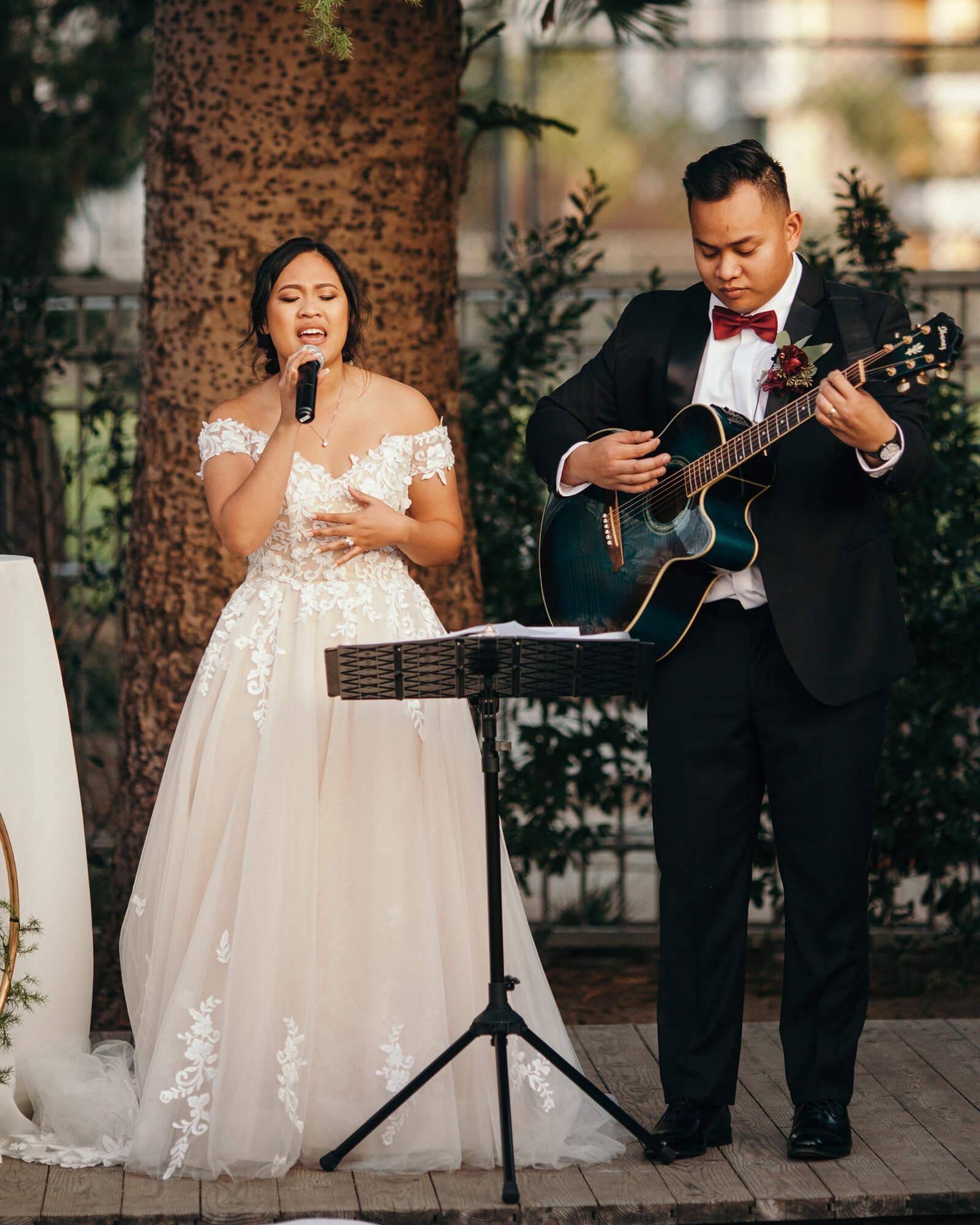 Love Couple Wedding Performace!