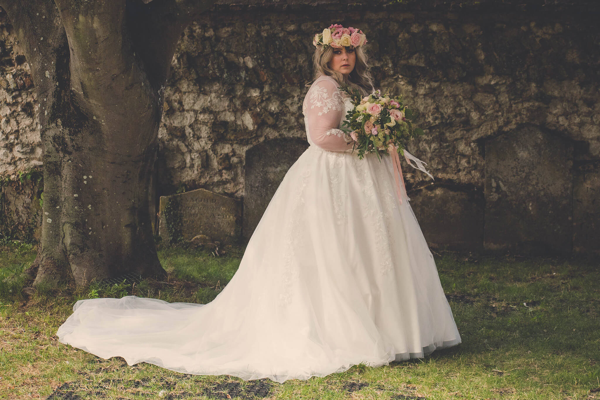 Can we just talk about how pretty this bride Erin looks in style Zahra?